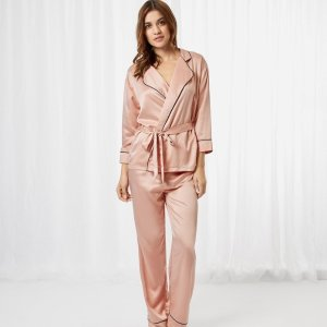 $51.8Wren Kimono And Trouser Set Rose Dust Sale @ Bluebella
