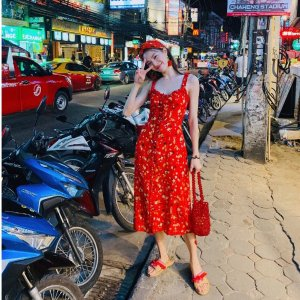 低至5折+额外8.5折 网红蕾丝裙$48最后一天:Free People 小仙女必备美衣 堆领毛衣$34