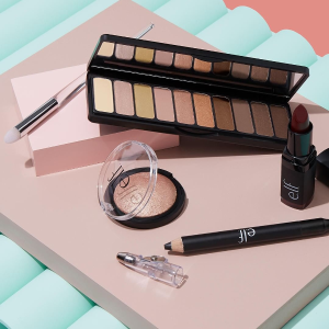 Up to 40% off + Extra 20% offSeason Sale @ E.l.f. Cosmetics