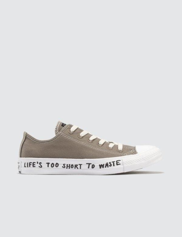 Chuck Taylor 帆布鞋