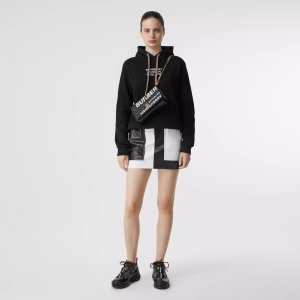 Burberry周冬雨同款!黑色logo卫衣