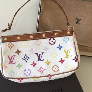 £435收LV腋下包  £609收Dior小马鞍包LV、Dior、Chanel、Gucci 精选中古小包包热卖