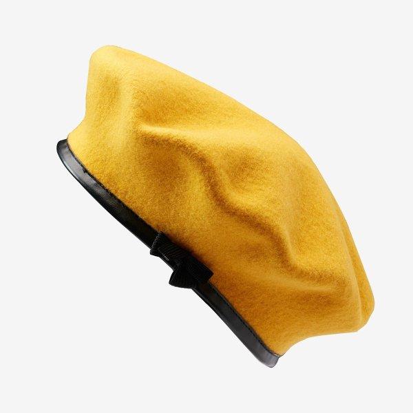 明亮黄贝雷帽