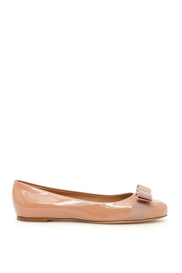 蝴蝶结平底鞋