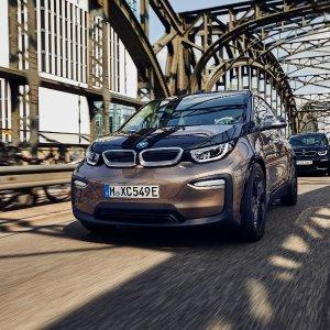 比初代电量翻倍2019 BMW i3 电动车小升级