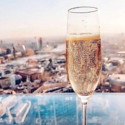 城市观景台配香槟