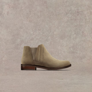 Up to 60% OffSale Items@ Clarks