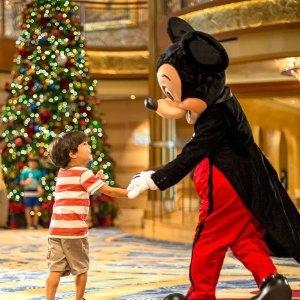 Free to Enjoy the Best Christmas EverDisney Cruise Set Sail with Santa Sweepstakes