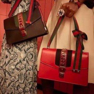 全场无门槛8.8折 £708收迷你SYLVIE链条包Gucci 新款美包美衣美鞋钱包超值热卖
