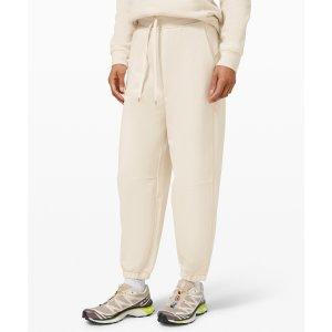 $118收 粗腿姐妹福音Lululemon 软糯慢跑卫裤上新 灰、白、绿3色可选