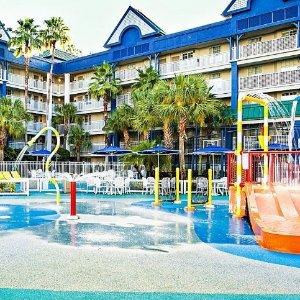Suite每晚$88起 对面就是迪士尼假日酒店奥兰多WaterPark套房酒店超值特卖