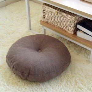 棕色圆形坐垫