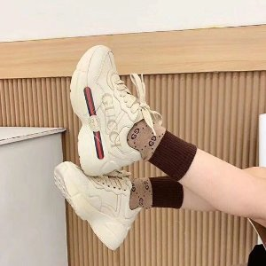 €79收Veja小白鞋 39码在线Selfridges 大童鞋专区来袭 Gucci、GG小脏鞋、UGG有码速收