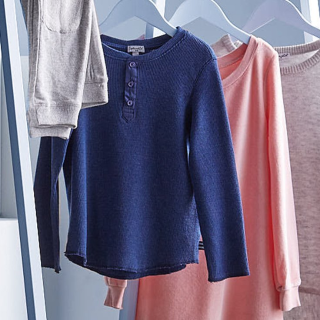 低至3.7折 连身裙$19.99 蕾丝上衣$17.99Splendid 洛杉矶时尚品牌童装优惠