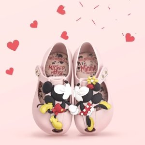 Up to 50%+Extra 20% offMini Melissa Kids Shoes Sale @ AlexandAlexa