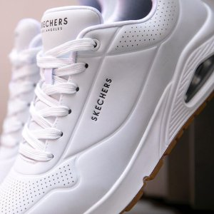 $39.44 (原价$92)Skechers Uno -Stand 女士休闲运动鞋  5码好价