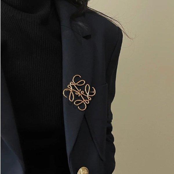 logo 胸针