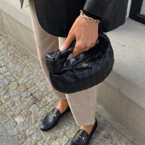 3.5折起 酒红编织单肩包$850Bottega Veneta 七月黑五促 收编织、云朵、豆腐包等