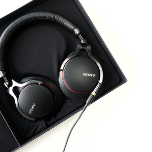 EUR 82.50/$90.16SONY MDR-1A Premium Hi-Res Stereo Headphones