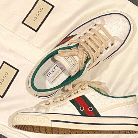 8.5折!黑色Marmont仅£965Gucci 超值大促销 Marmont、复古鞋、小白鞋等降价再打折