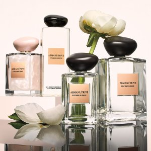 Last Day: Up to $275 off with Candle and Fragrances Purchase @ Neiman Marcus