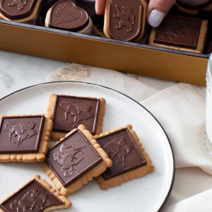 Up To $20% Off + FSDealmoon Exclusive: Godiva Chocolate Gift Boxes Mothers Days Sale