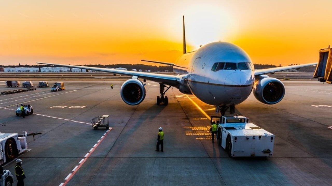新冠肺炎疫情:美国旅行禁令详情!多家航空公司取消退改签费!中美航班信息汇总!