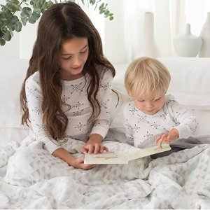 40% OffDream Blanket, Pjs, Crib Sheet, Shampoo and More @ aden + anais