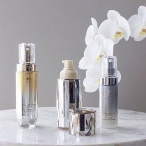 15% OffDealmoon Exclusive: Barneys New York CPB Beauty on Sale