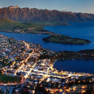 From $1699 10-Day New Zealand Vacation with Hotels, Air, and Optional Tahiti