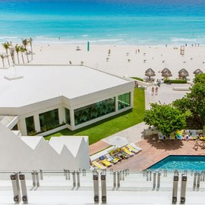 As low as $4694-, 6-, or 7-Night All-Inclusive Park Royal Golden Cancun
