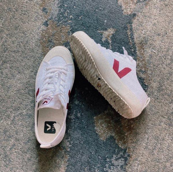 黑标小白鞋