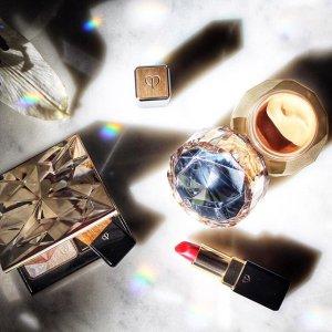 Enjoy a 6-piece limited edition Beauty bonuswith $350 purchase @ Cle de Peau Beaute