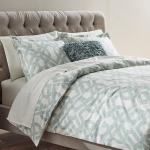 Up to 75% off Select Home Decorators Collection Bedding & Bath on Sale @ The Home Depot