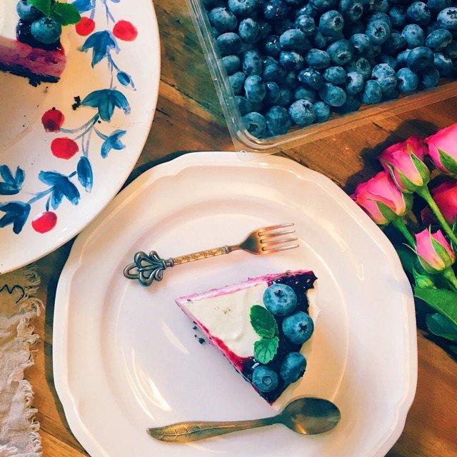 想想俩里熬好的蓝莓酱,觉得好像又可...
