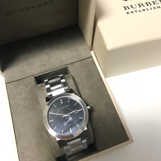 送给男友的Burberry手表⌚️...